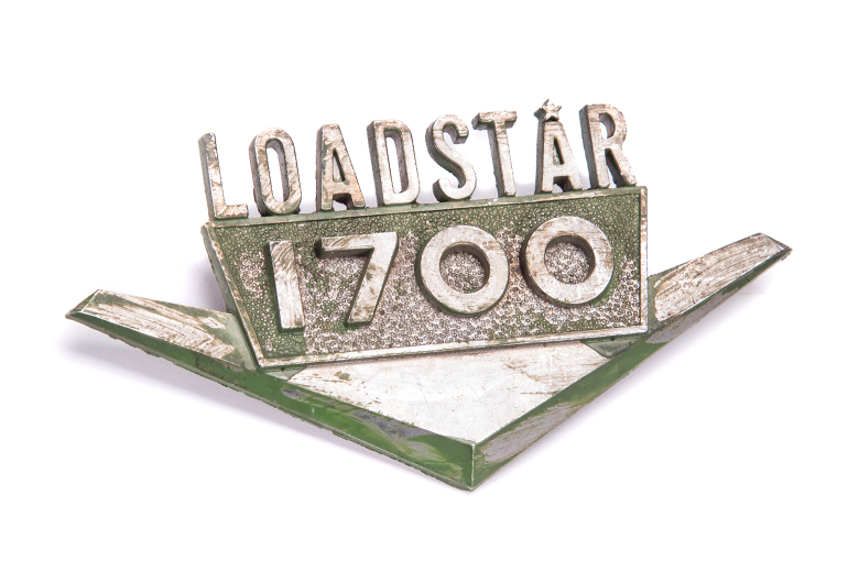 Emblem   1700 Loadstar  Chrome